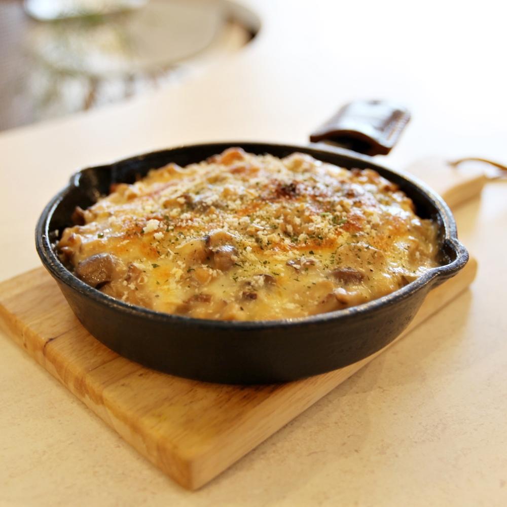 3種のチーズとたっぷりきのこのクリームドリア