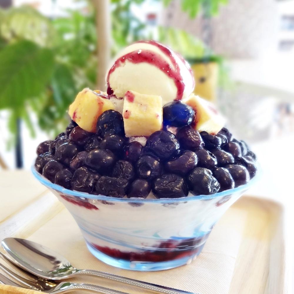 粉雪(ブルーベリーチーズケーキ)かき氷